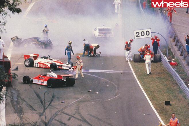 Ronnie -Peterson -crash -at -Bathurst