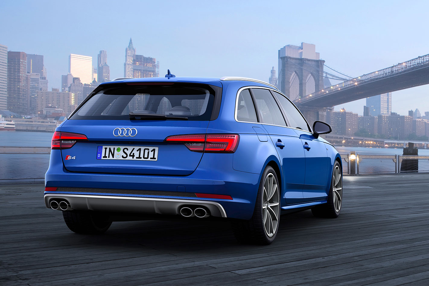 Audi -S4-Avant -rear