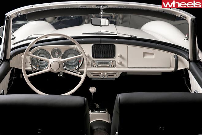 BMW-507-restored -interior