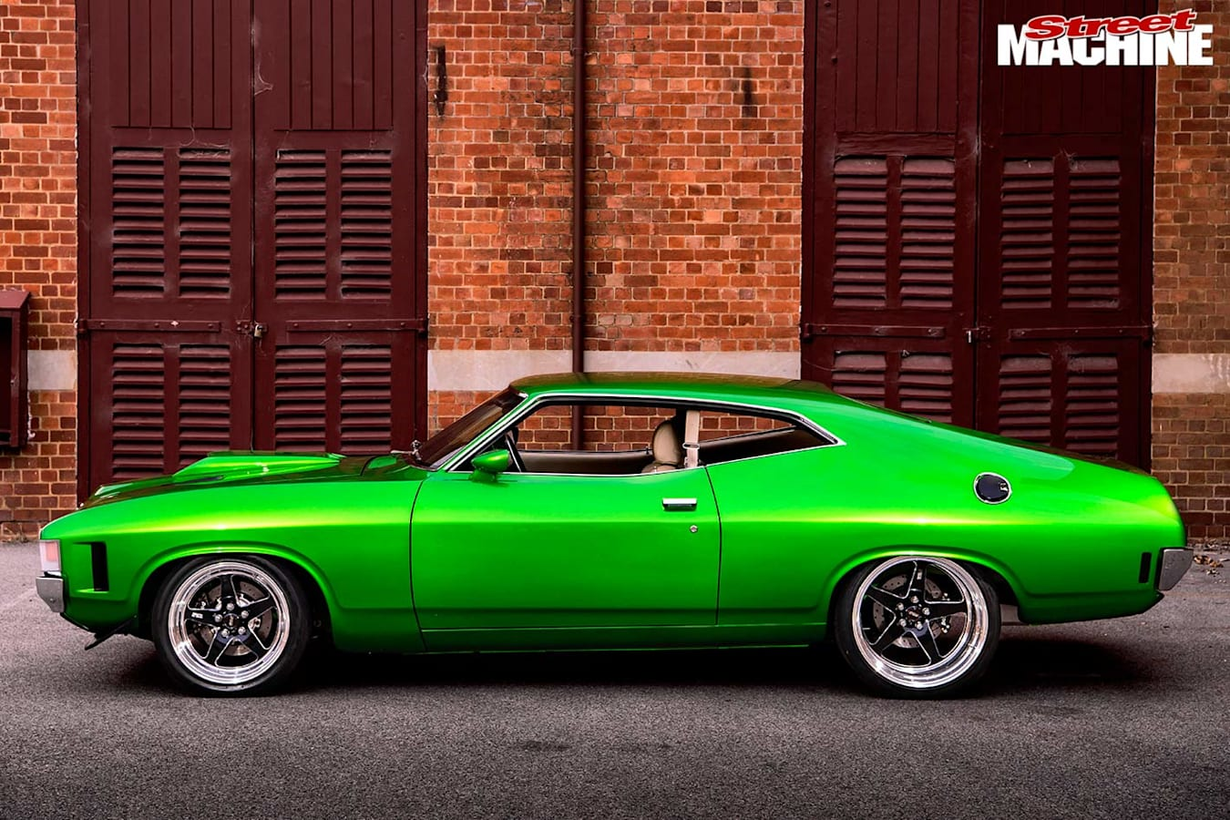 Ford Falcon XA coupe side