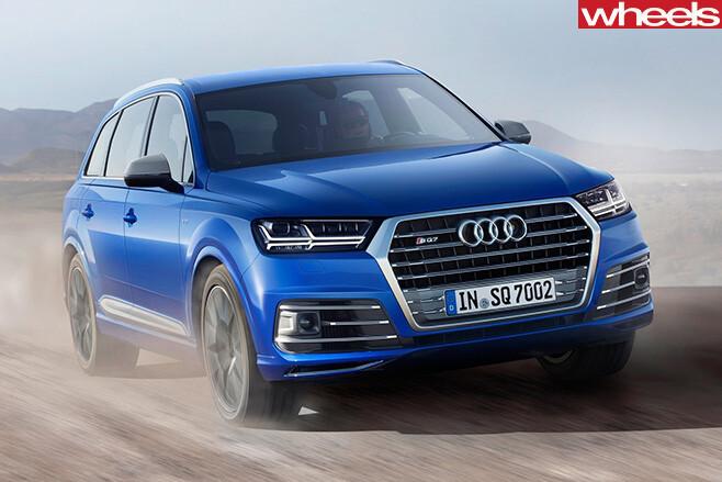 Audi -SQ7-TDI-2017-front -side -driving