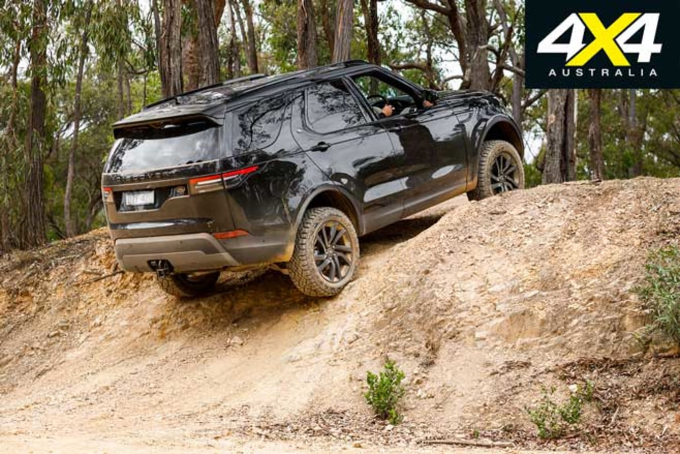 2019 Land Rover Discovery SD 4 Off Road Climb Jpg