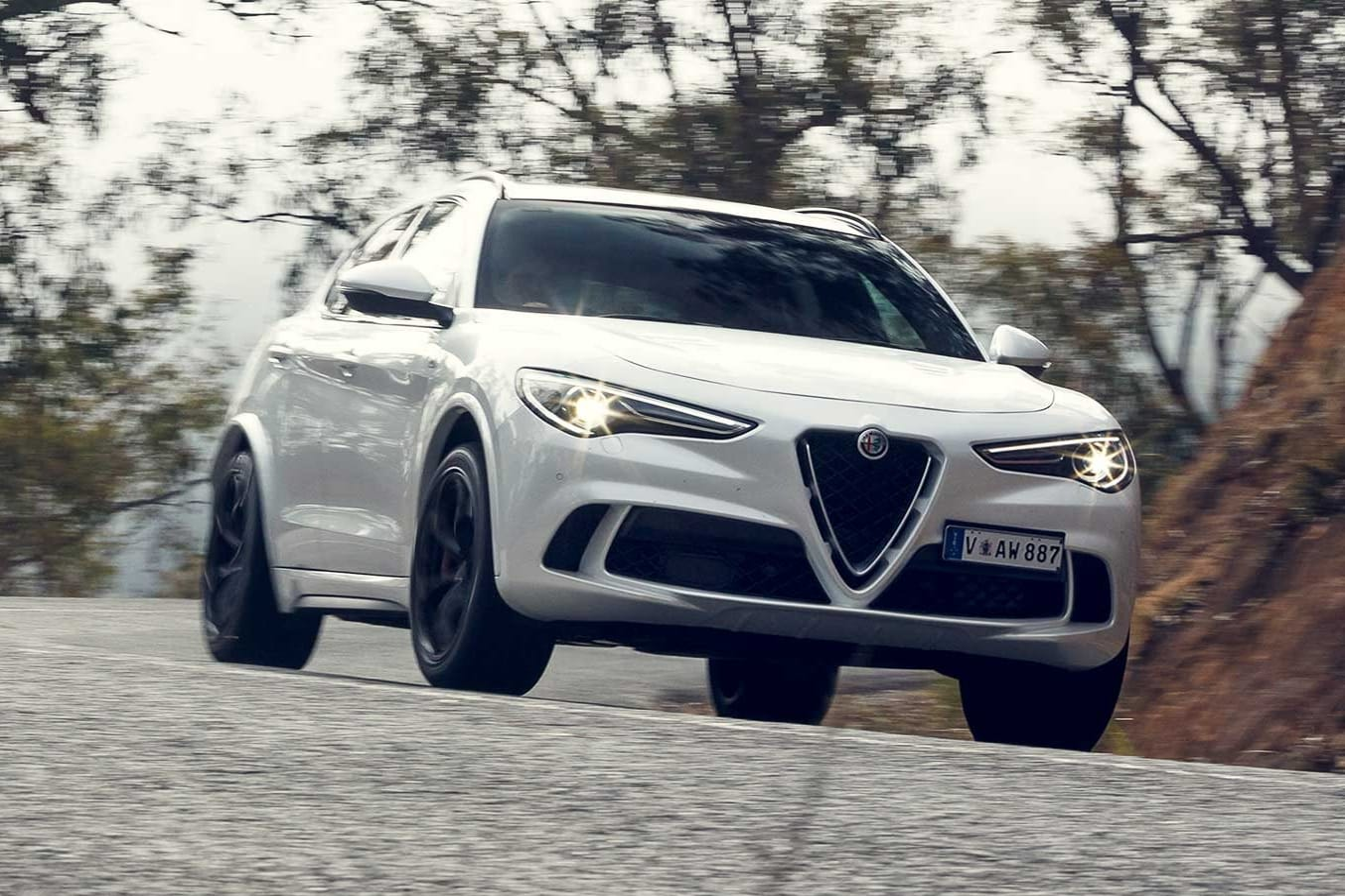 2019 Alfa Romeo Stelvio Q feature review