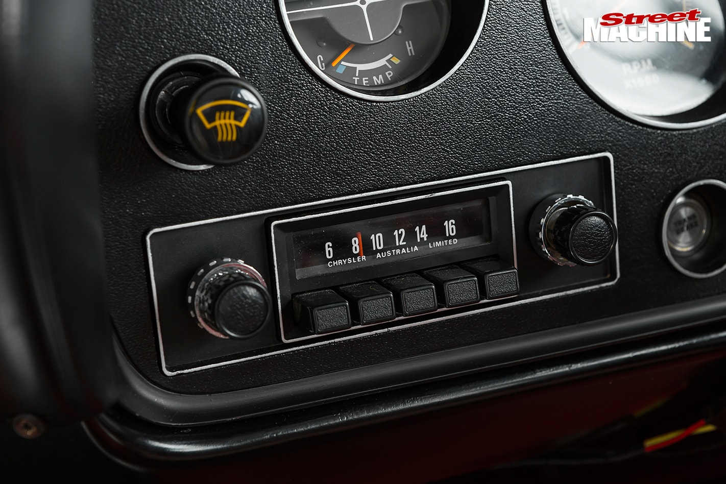 Chrysler -cl -charger -radio