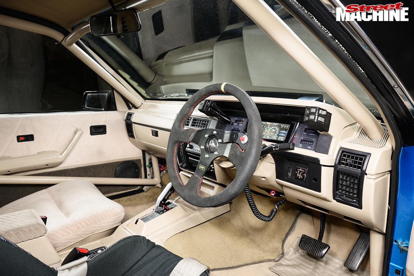 Holden VL Calais interior