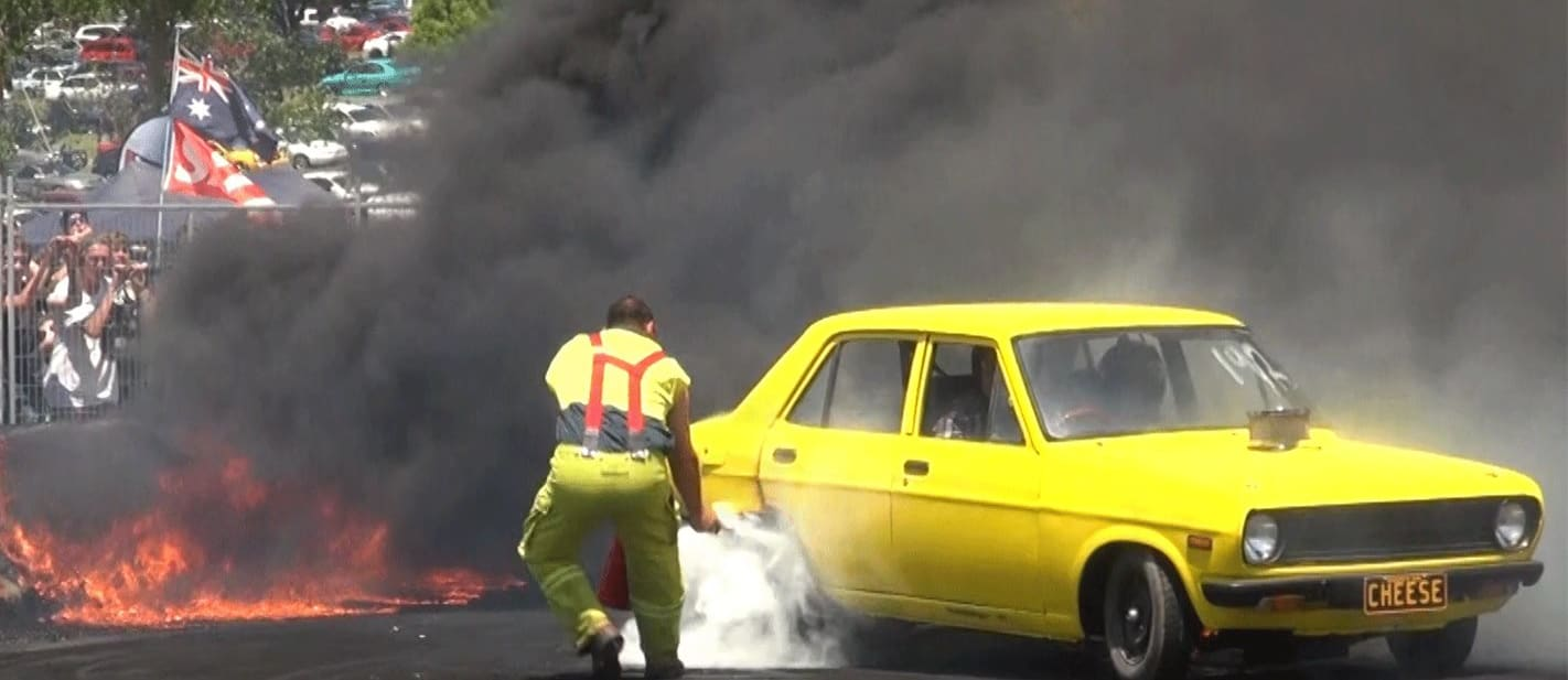 VIDEO: CRAZY V8 DATSUN TRIES TO BURN EVERYTHING AT TREAD CEMETERY