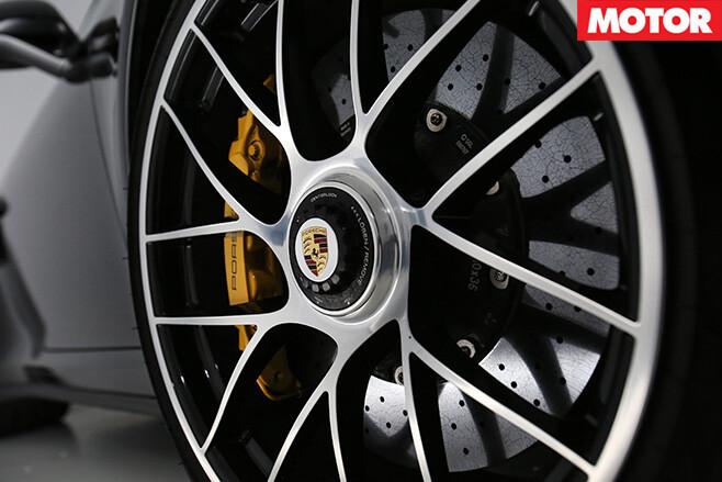 Porsche 911 Turbo S wheel