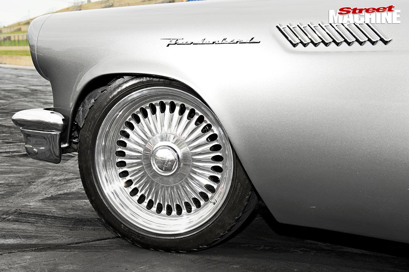 Ford Thunderbid wheel