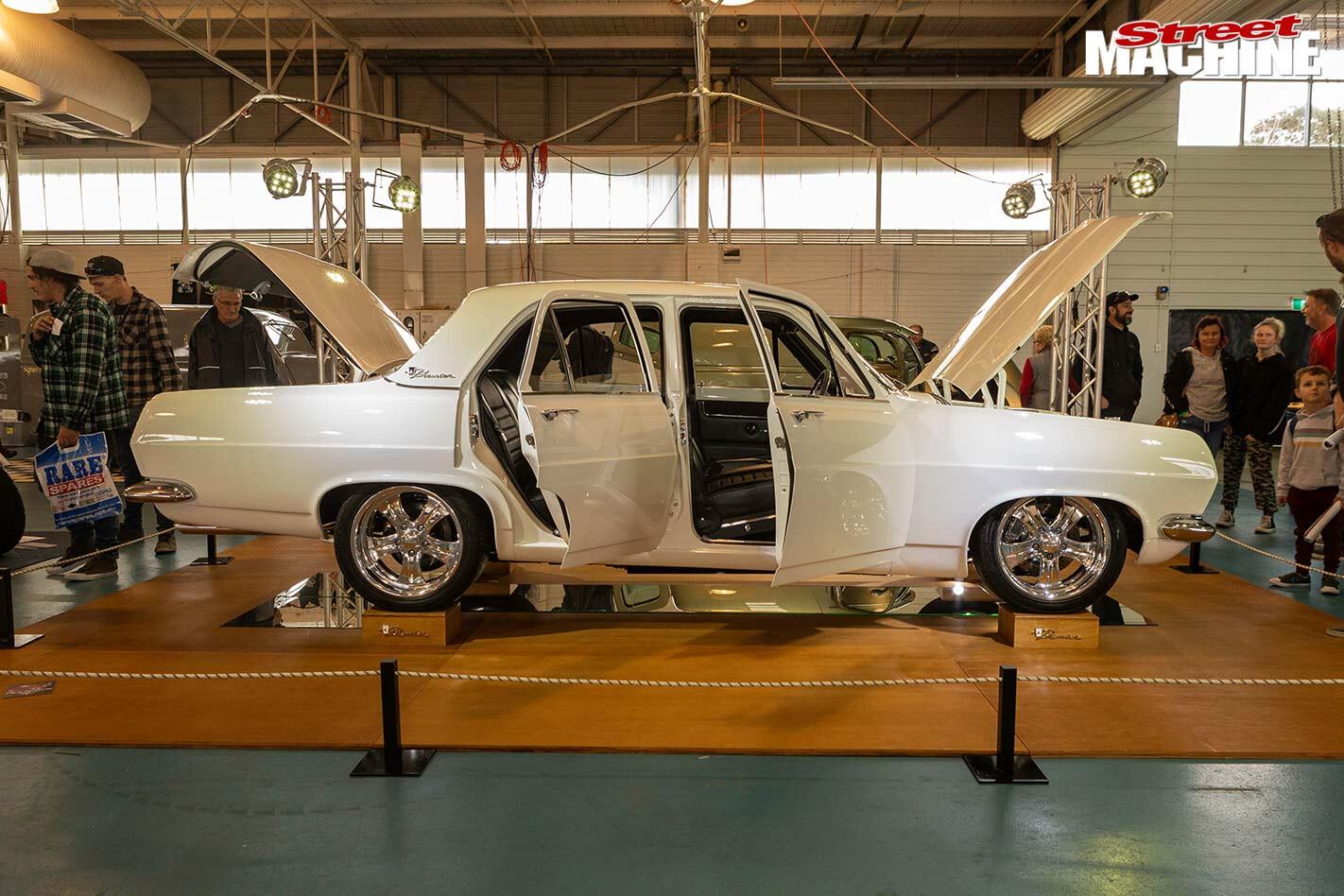 Holden HR sedan
