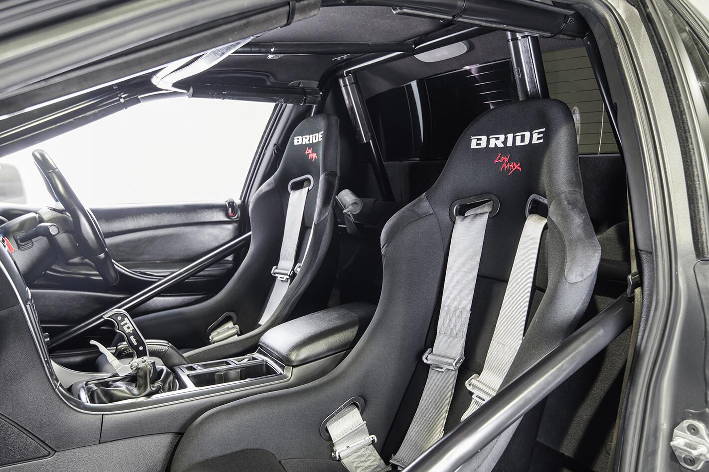 Holden VZ ute interior