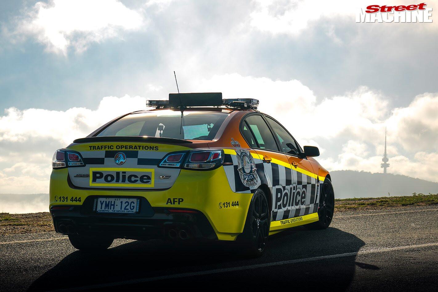 Holden VF Commodore police car
