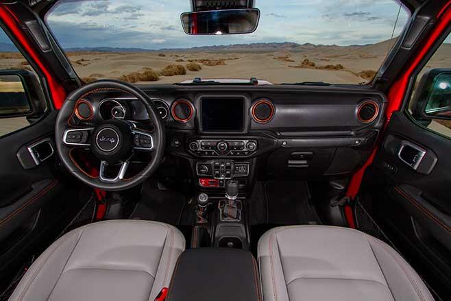 Jeep Gladiator Mojave interior