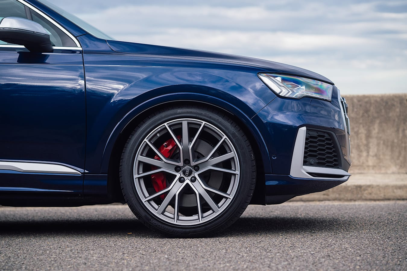 2020 Audi SQ 7 Front Jpg