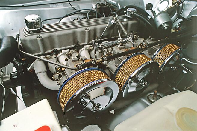 Hemi six engine