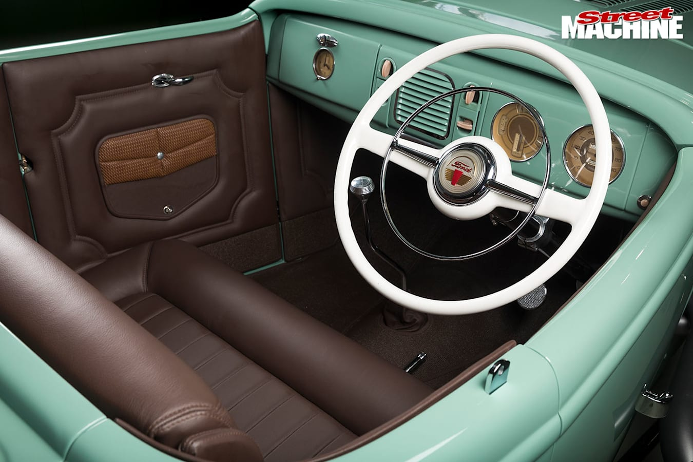 1932 Ford Roadster interior