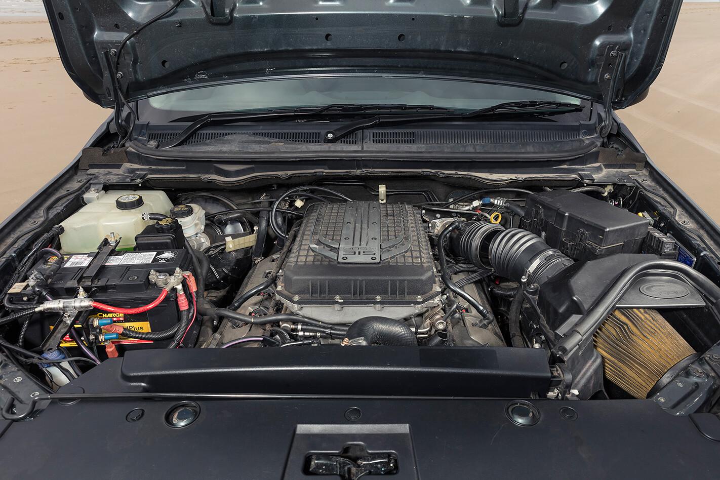 Ford Ranger Coyote V8 engine.jpg