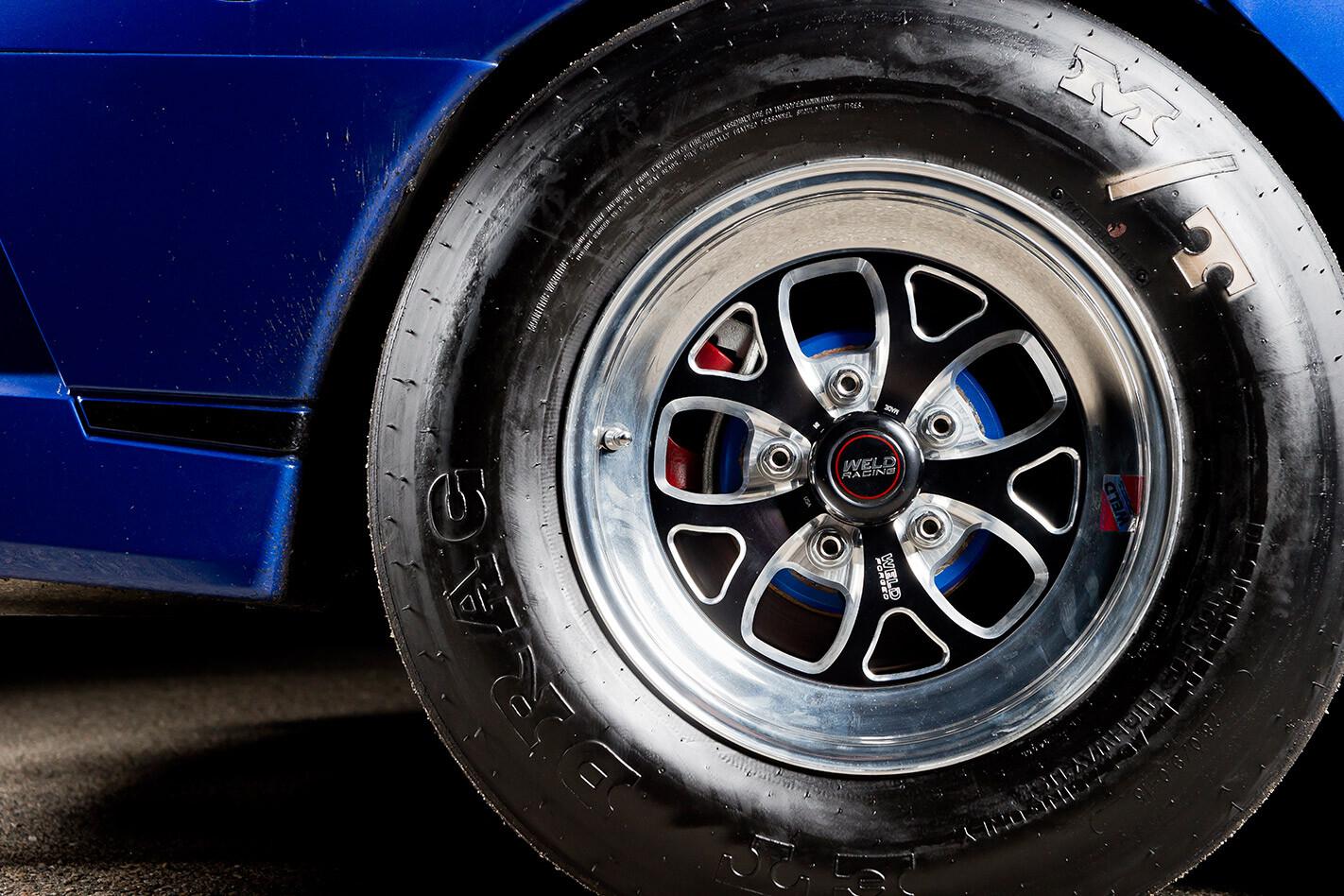 HSV Clubsport wheel