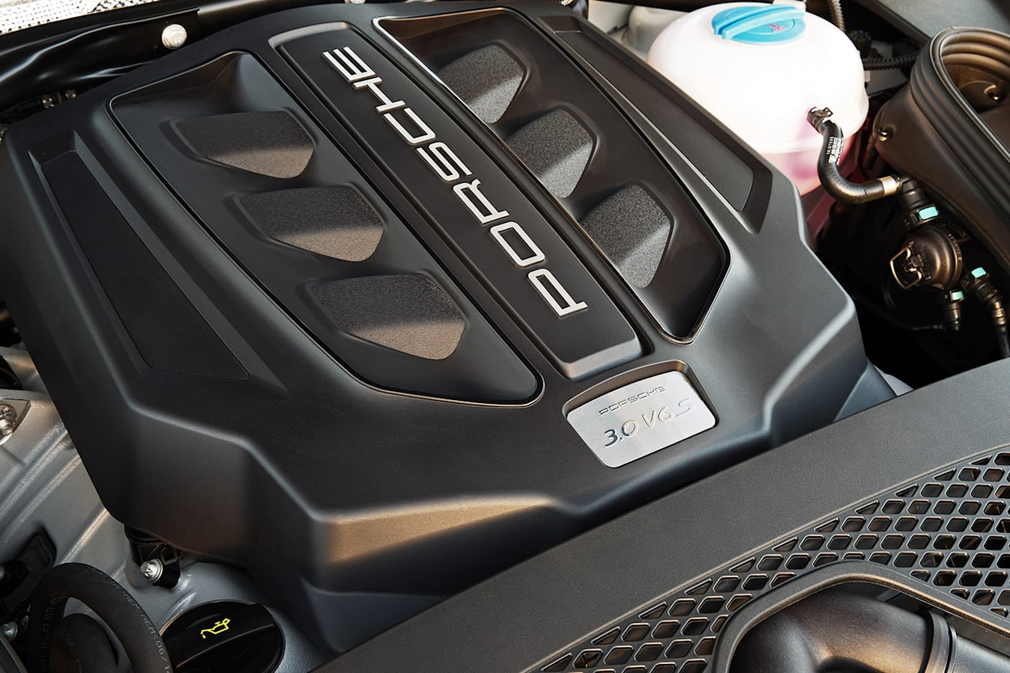 Porsche Macan S Engine Jpg