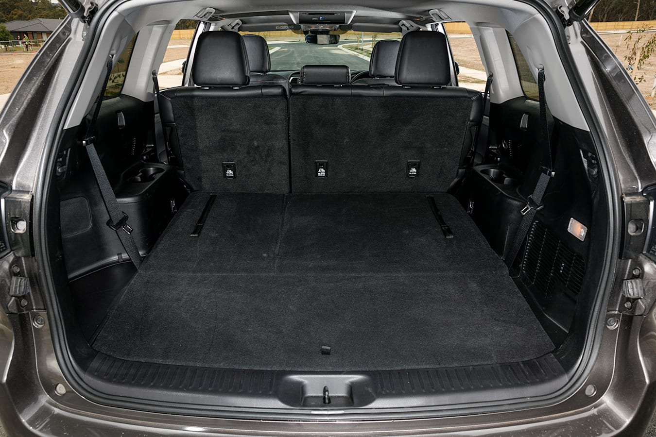 Toyota Kluger boot space