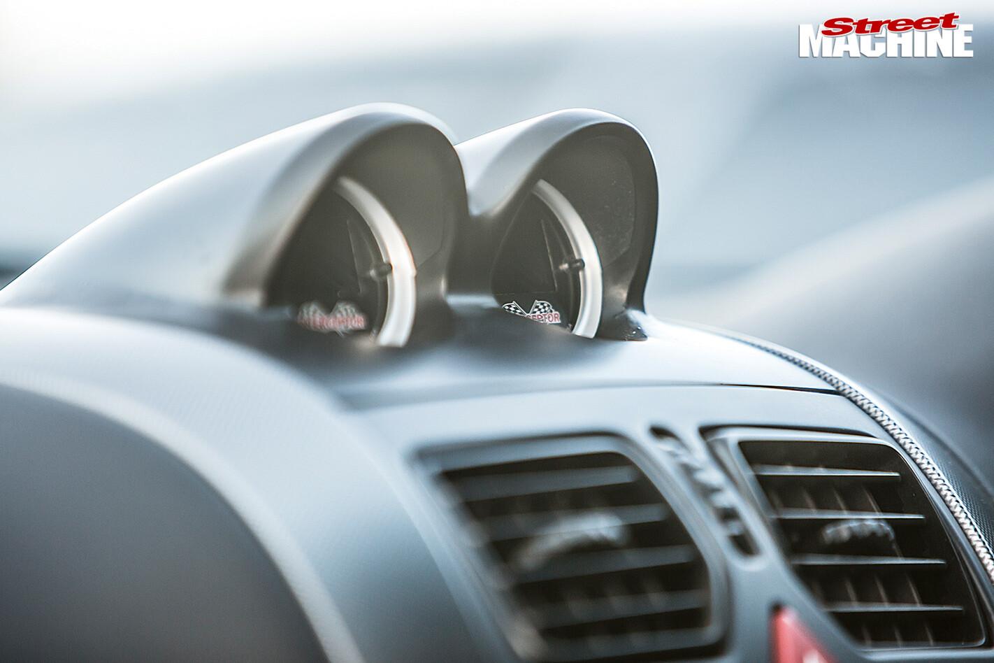 Holden CV8 Monaro gauges