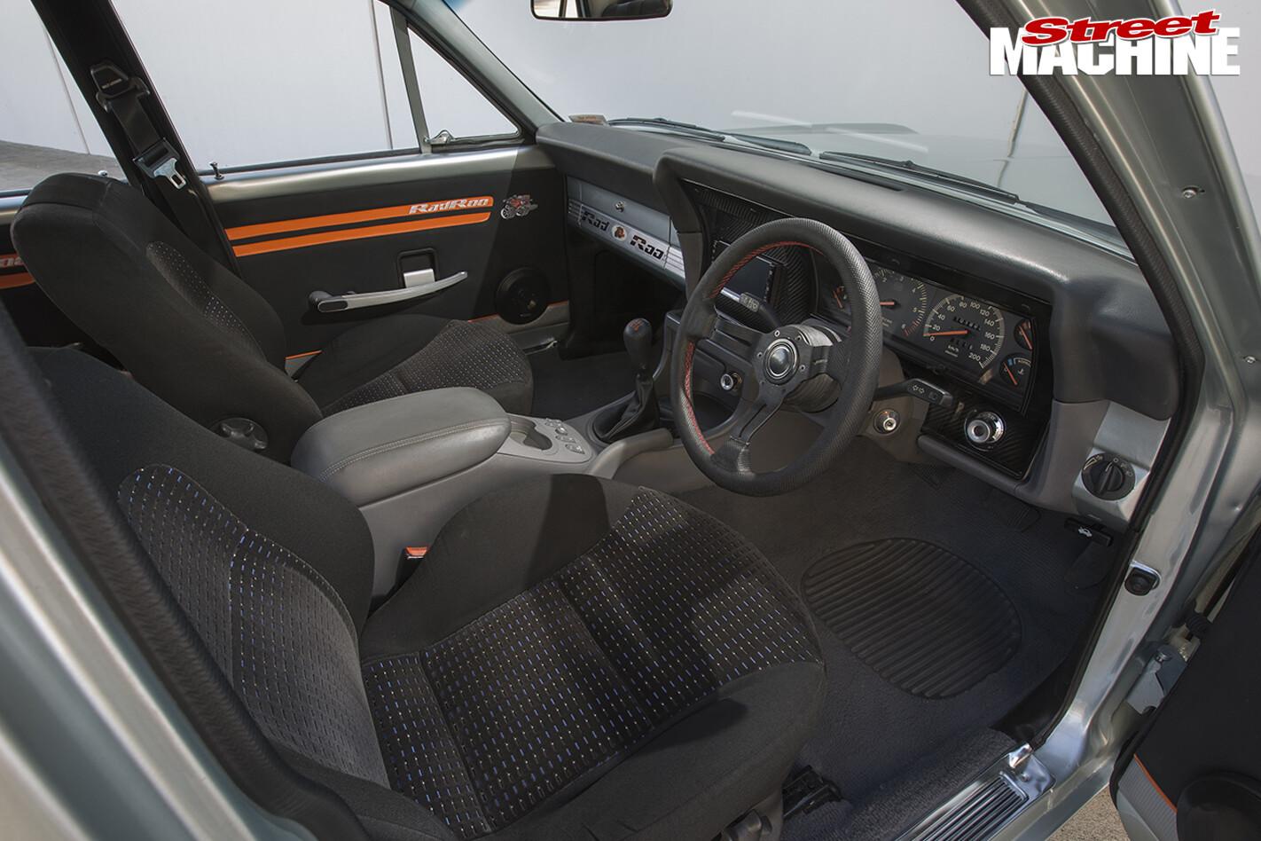 Ford -XY-Falcon -interior -front
