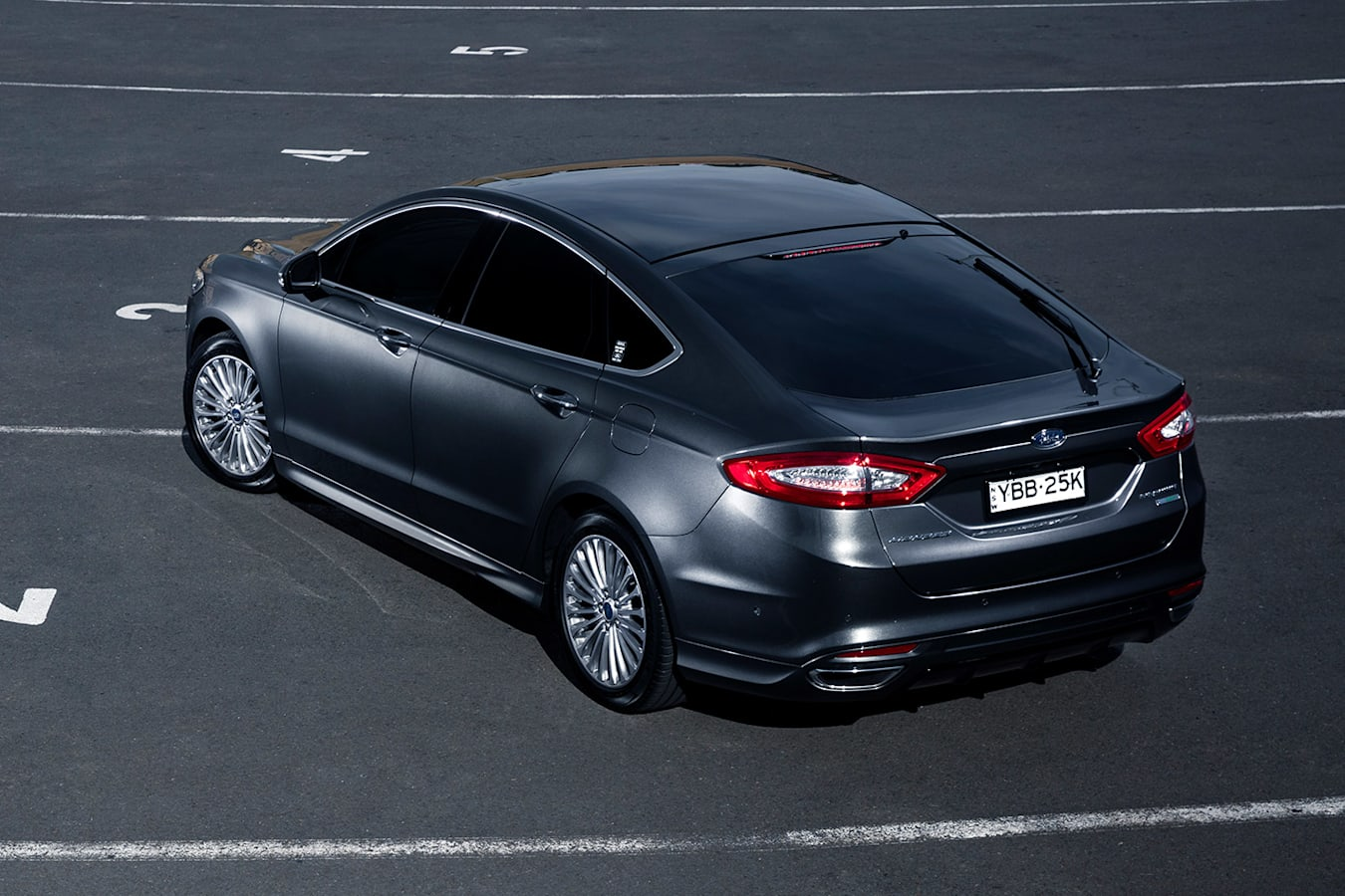 Ford Mondeo rear