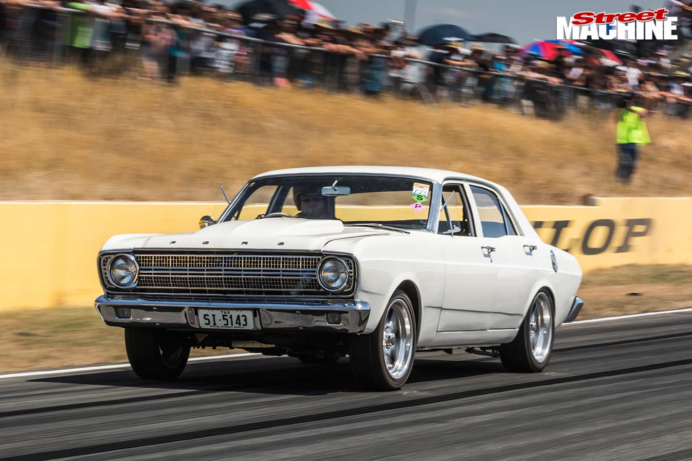 Ford Falcon at powercruise