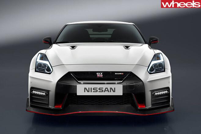 Nissan -GT-R-grille