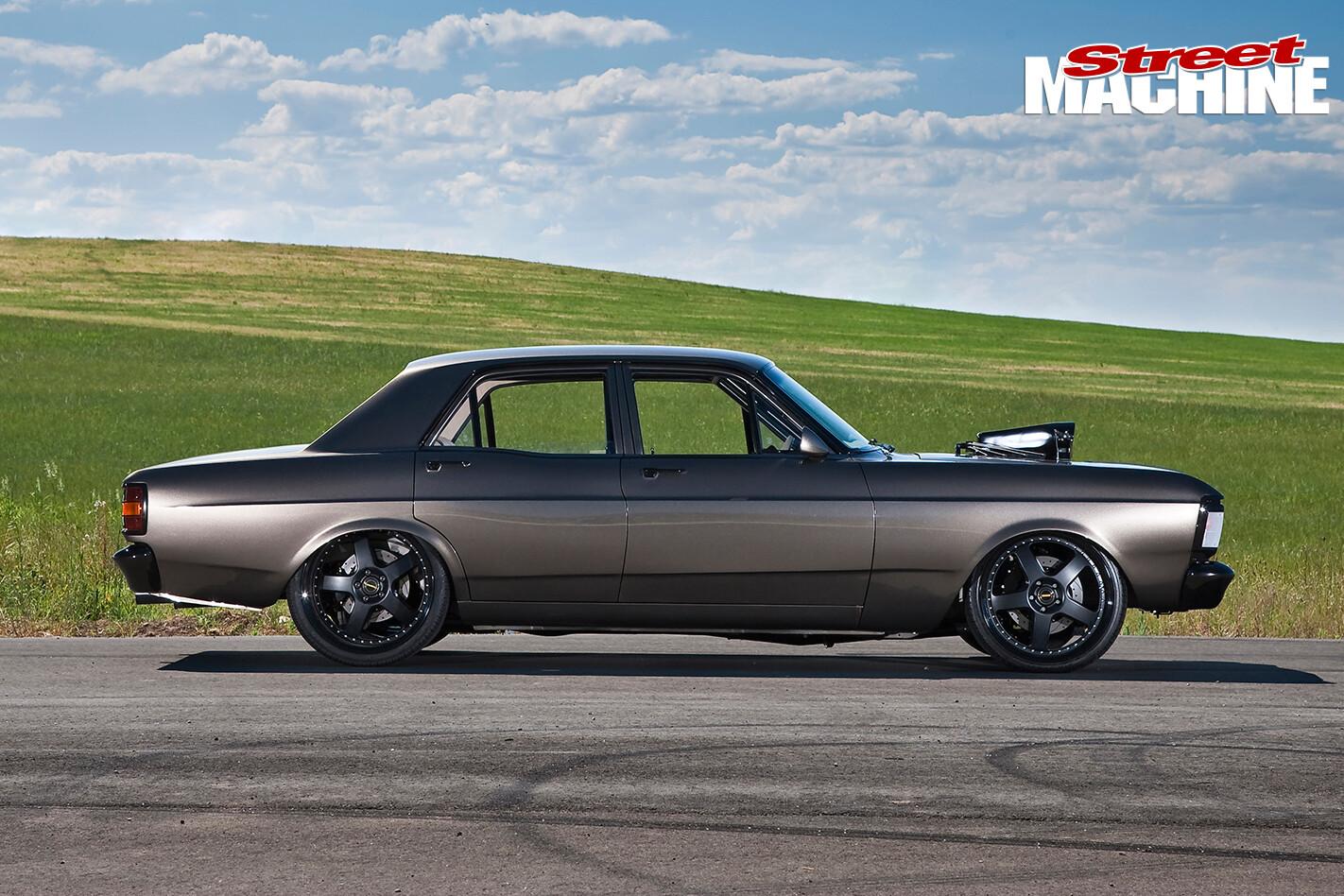 Ford -XY-Falcon -side -profile
